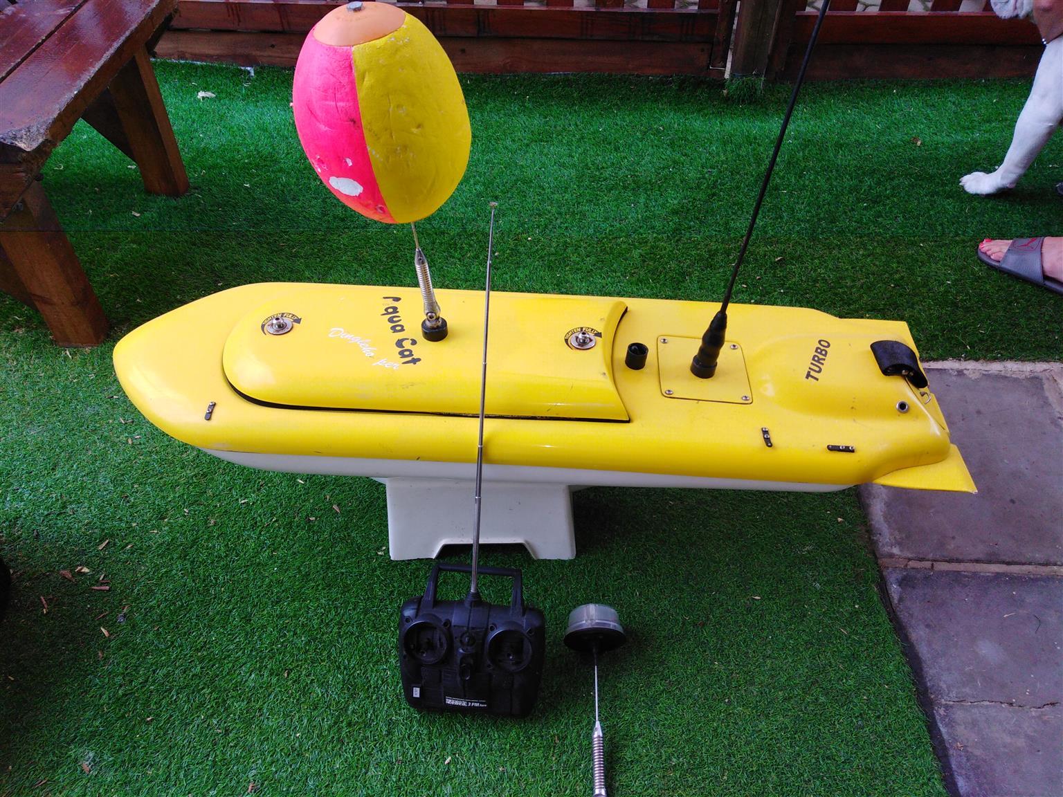 Aqua cat dingle hopper turbo for sale. Good for fishing in the ocean or dams.