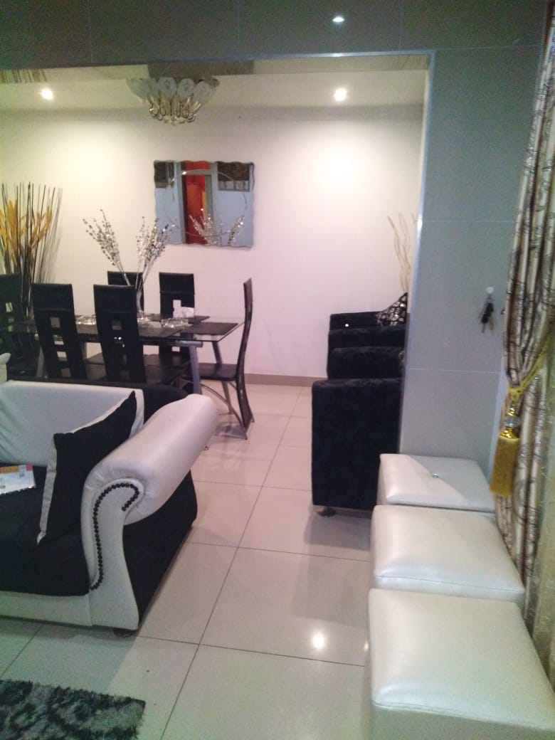 NEAT 2 BEDROOM HOME IN SHASTRI PARK