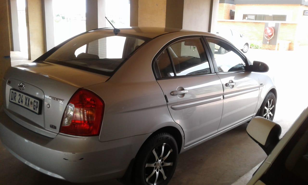 2009 Hyundai Accent sedan 1.6 Fluid