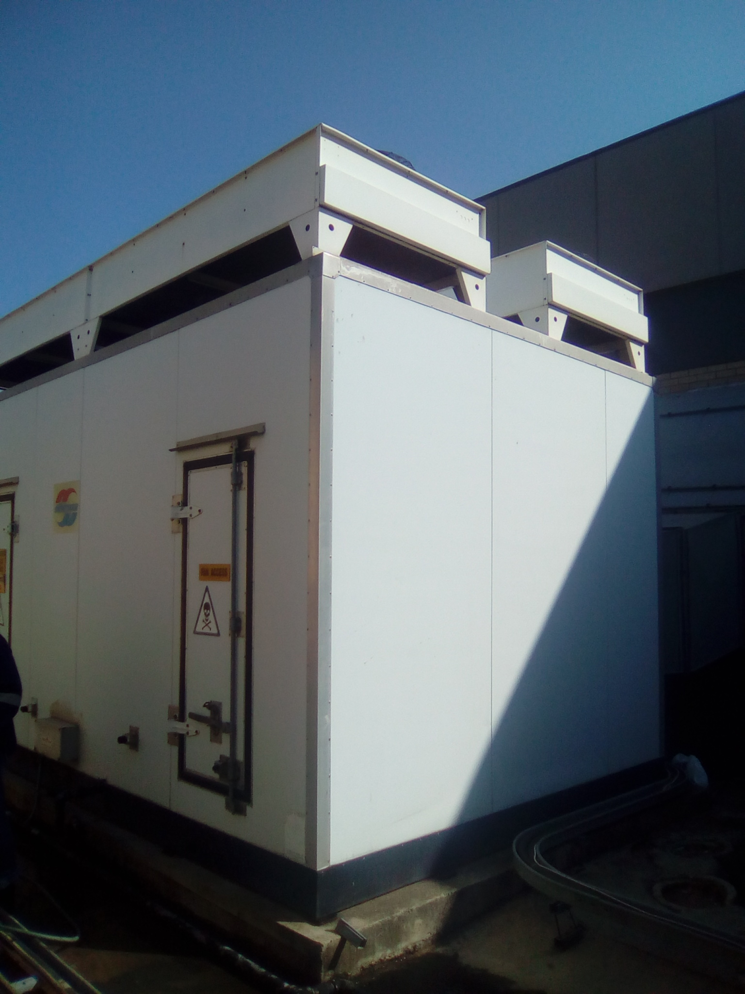 COLD ROOMS AND FREEZER ROOMS MAINTANANCE