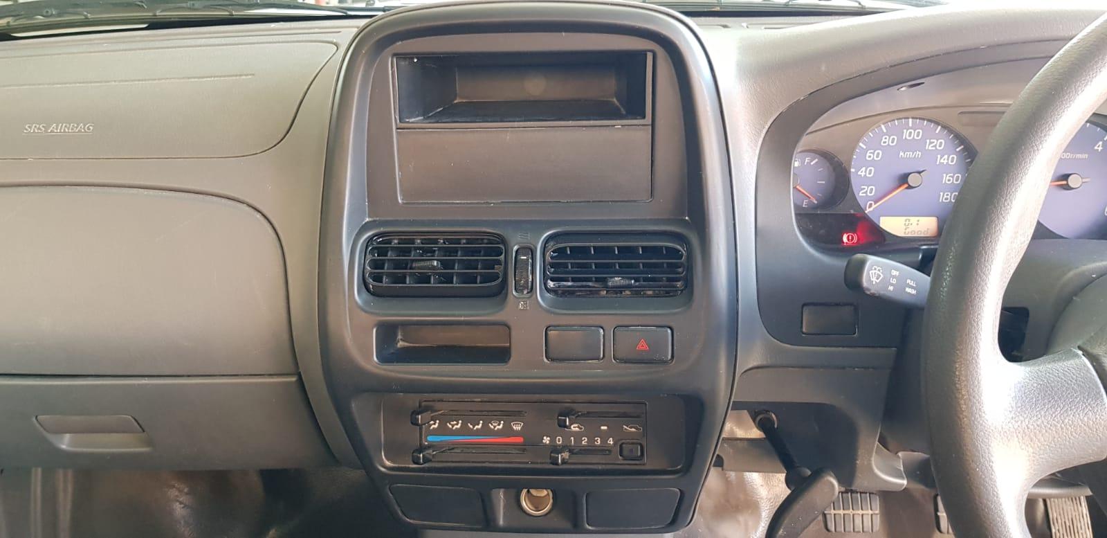 2020 Nissan NP300 2.5TDi Aircon