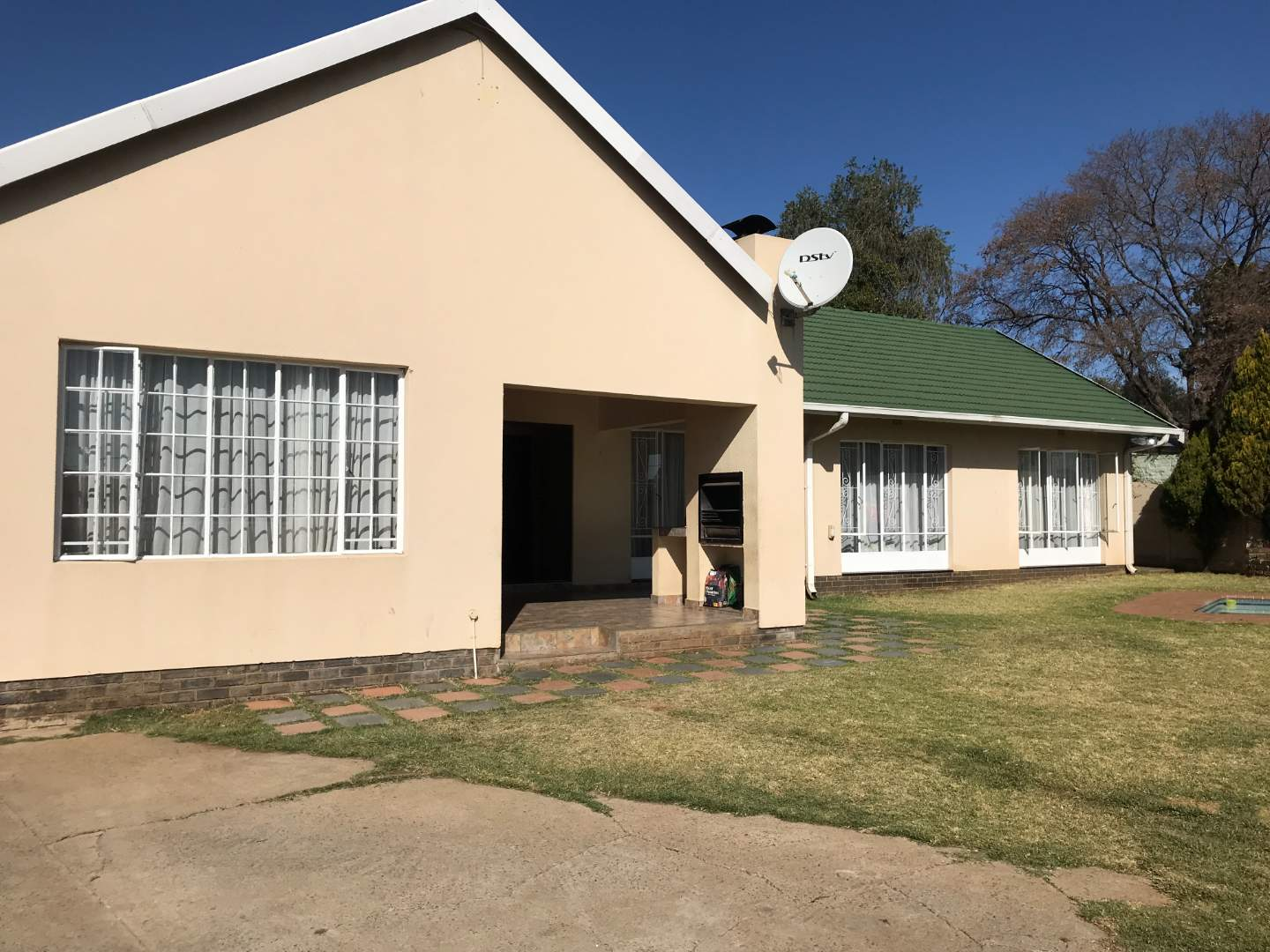 House For Sale in Raceview