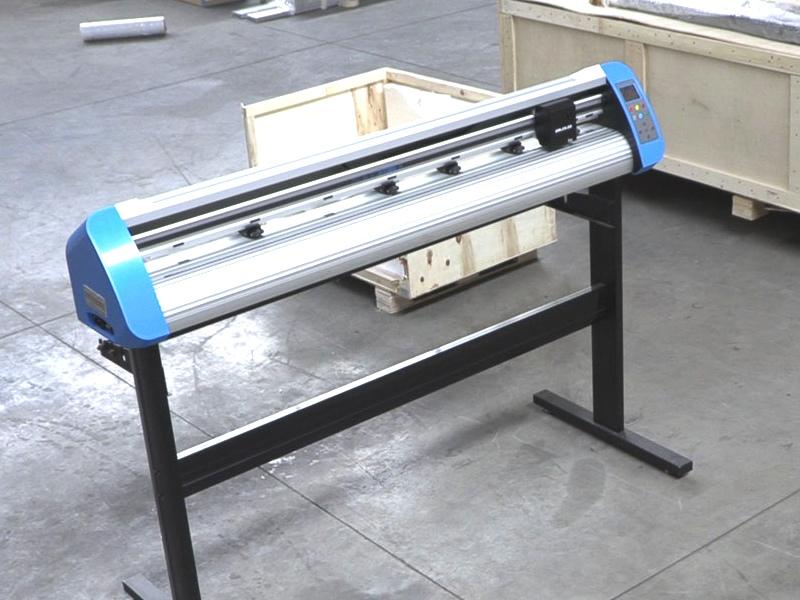 V3-1368 V-Smart +Plus Automatic Contour Cutting Vinyl Cutter 1360mm Working Area, plus