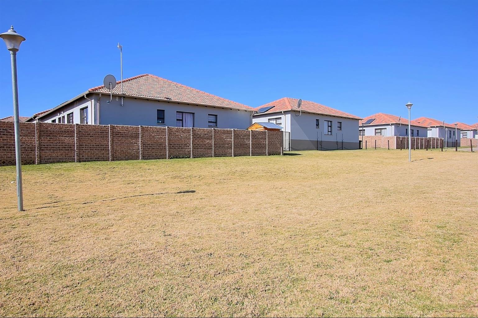 Townhouse Rental Monthly in PARKRAND