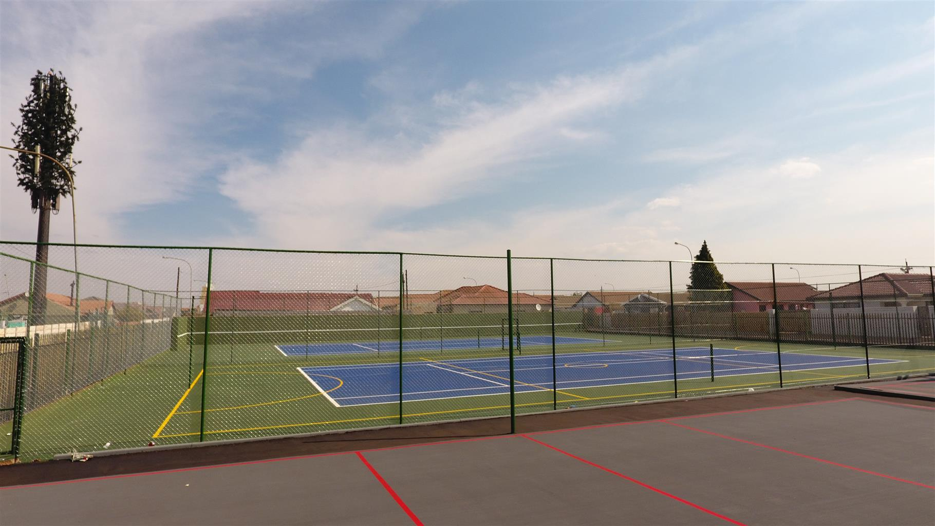 TAR RESURFACING AND TENNIS COURTS