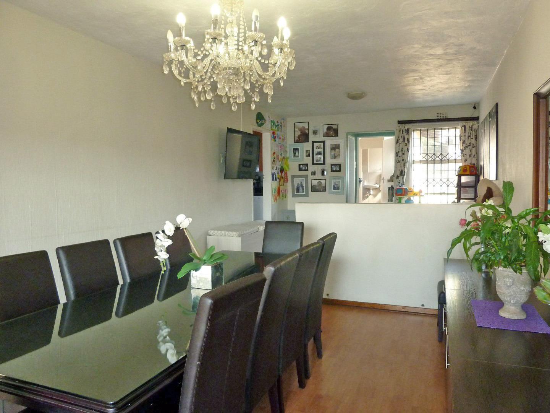 Townhouse For Sale in Corlett Gardens