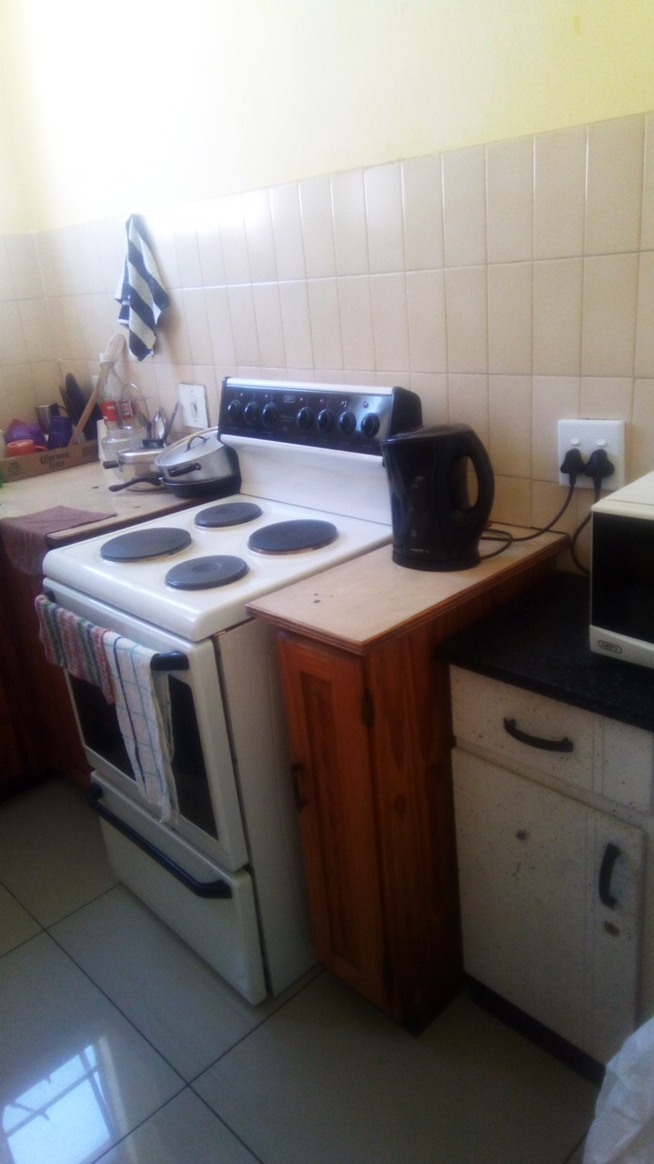 A BEAUTIFUL CLEAN ROOM FOR RENT FOR A LADY -  ( S.A CITIZEN)