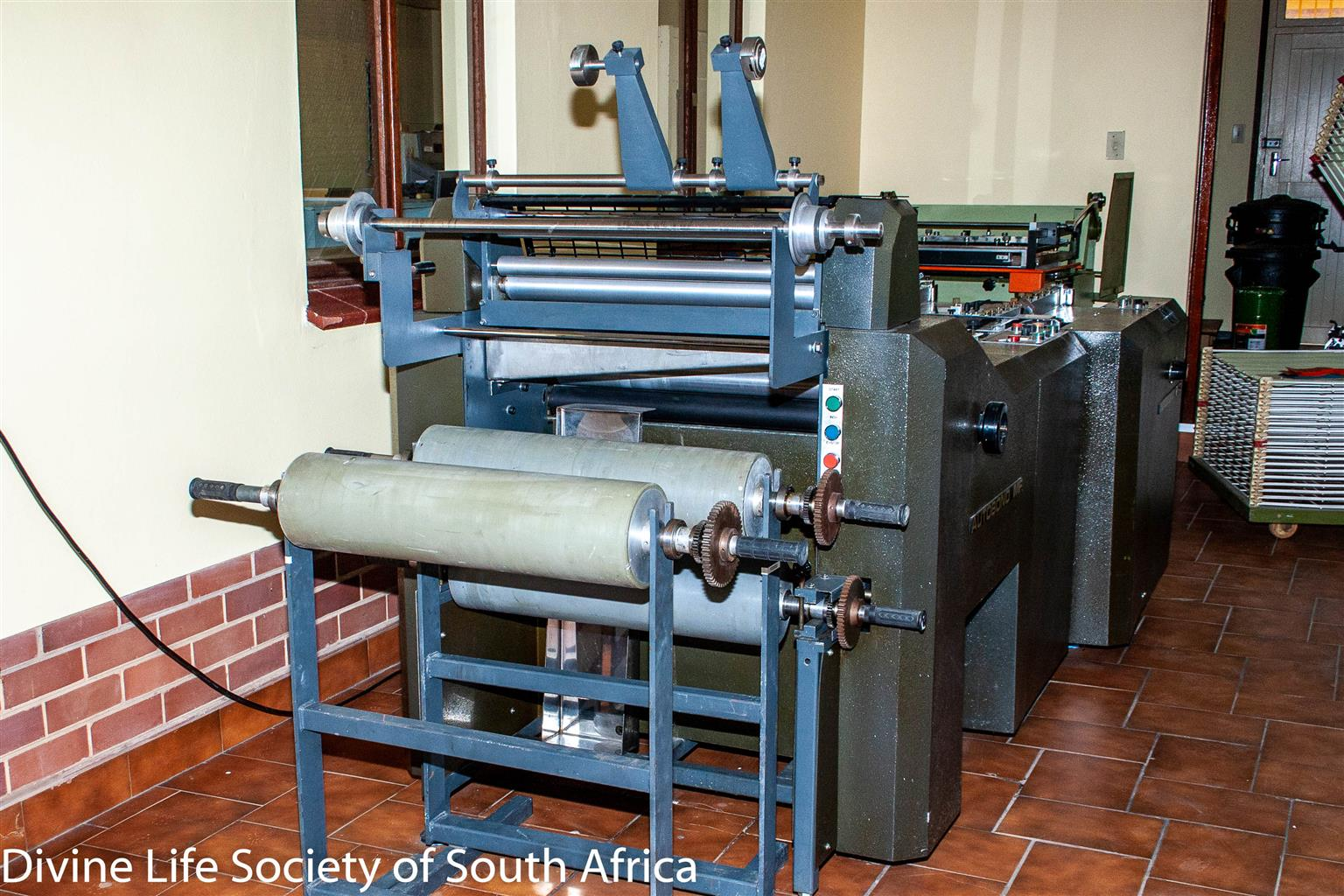 Autobond Industrial cold glue laminating machine