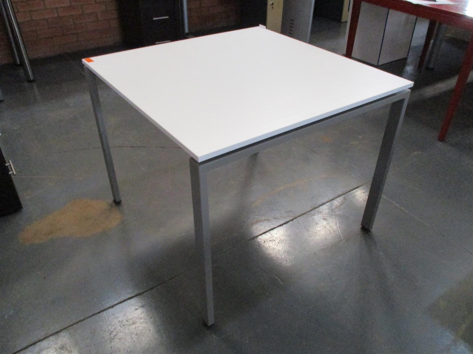 Straight White, Steel Frame Desk