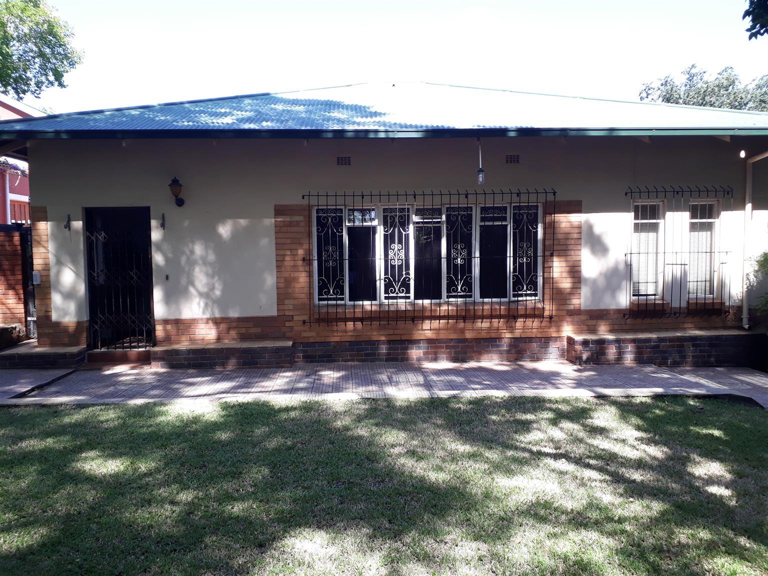 NEAT HOUSE IN RIVIERA PRETORIA