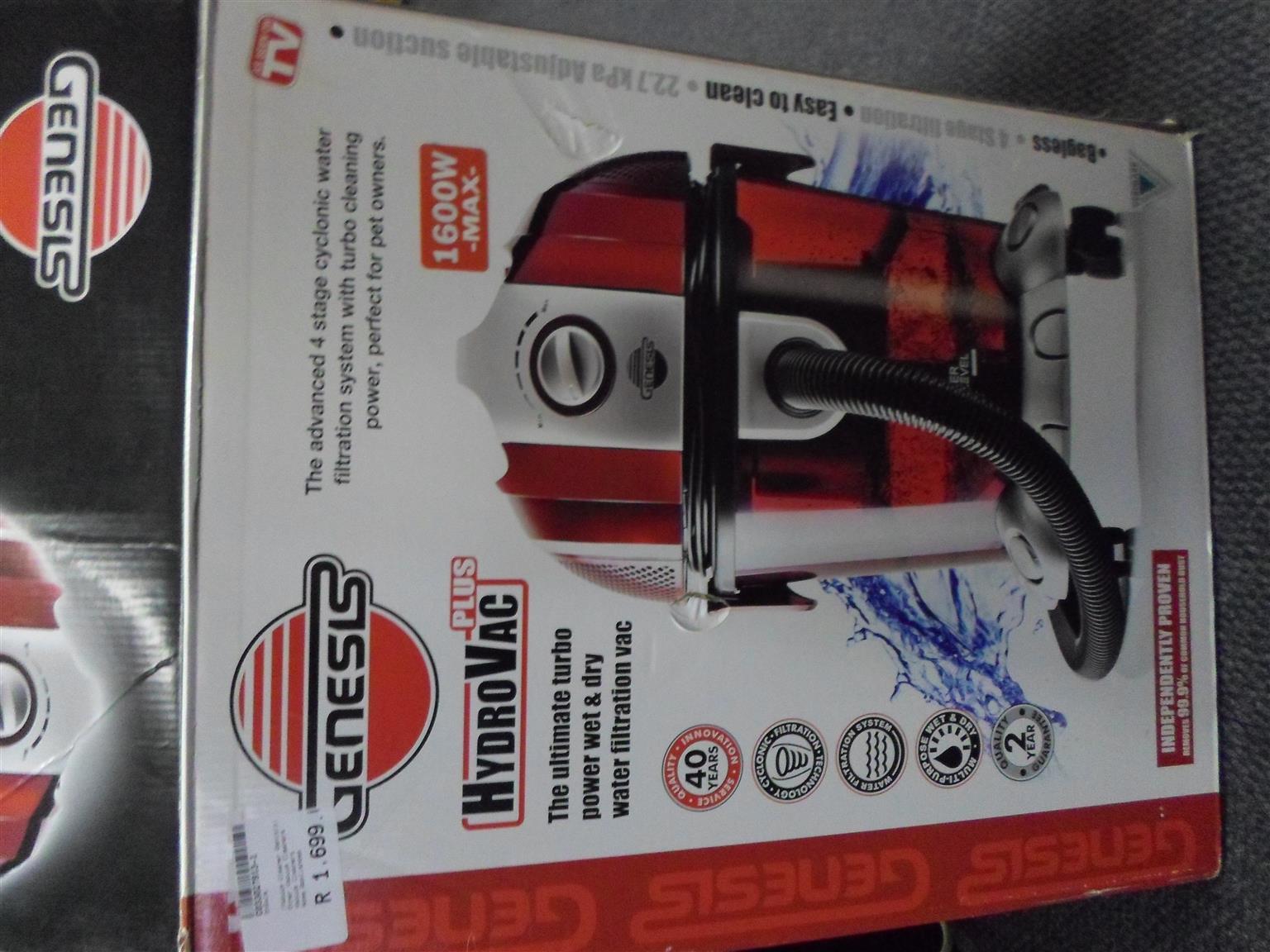 Genesis 1600W Hydrovac Plus Vacuum Cleaner