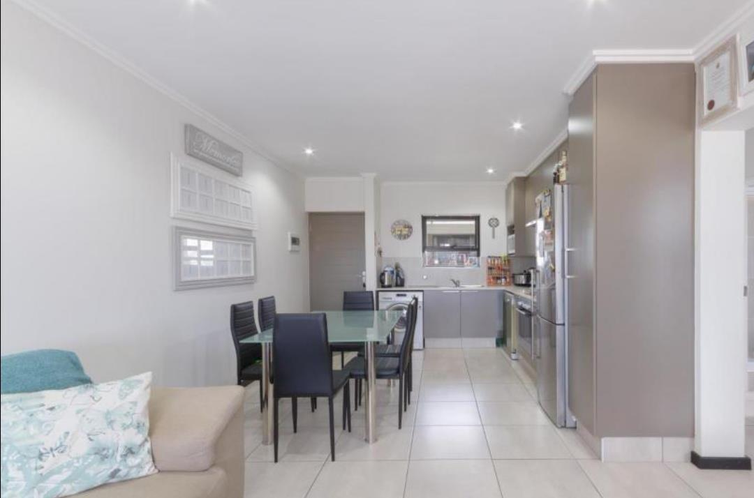 Apartment For Sale in Barbeque Downs