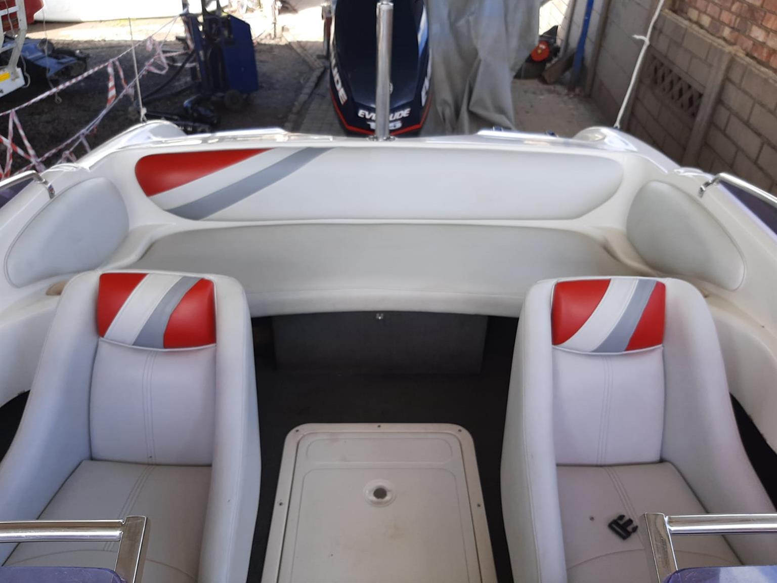 Velocity 115 etec boat