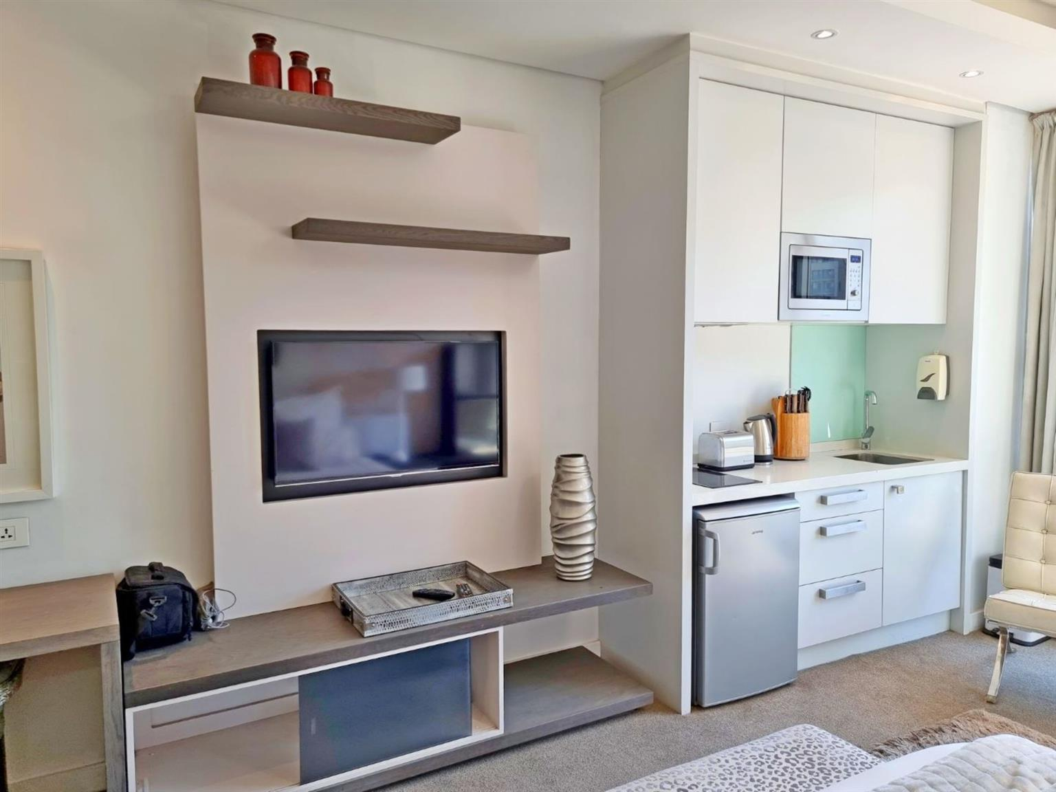 Apartment Rental Monthly in Sandton Central