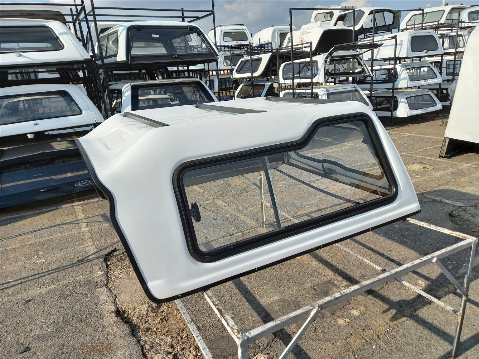 USED NISSAN 1400 CANOPY FOR SALE !!!!!!!