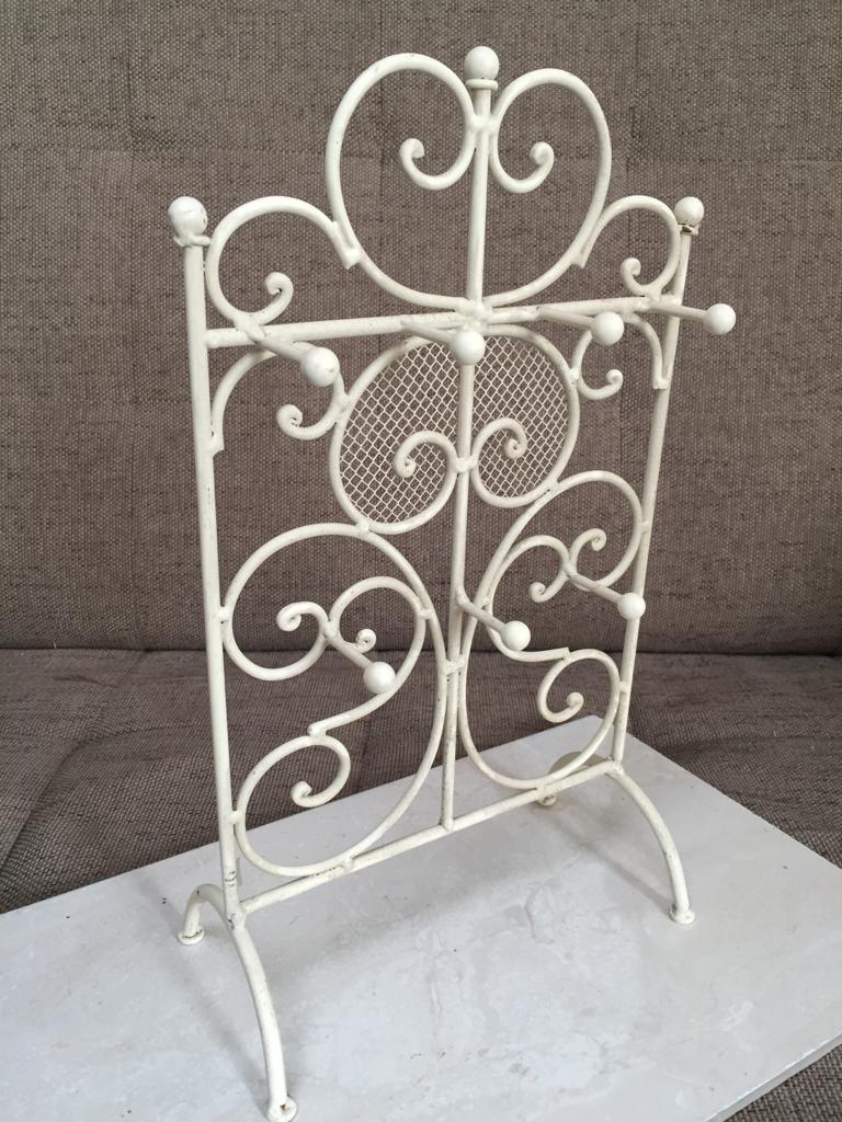 Ornate metal and mesh Jewellery stand - priced to clear!