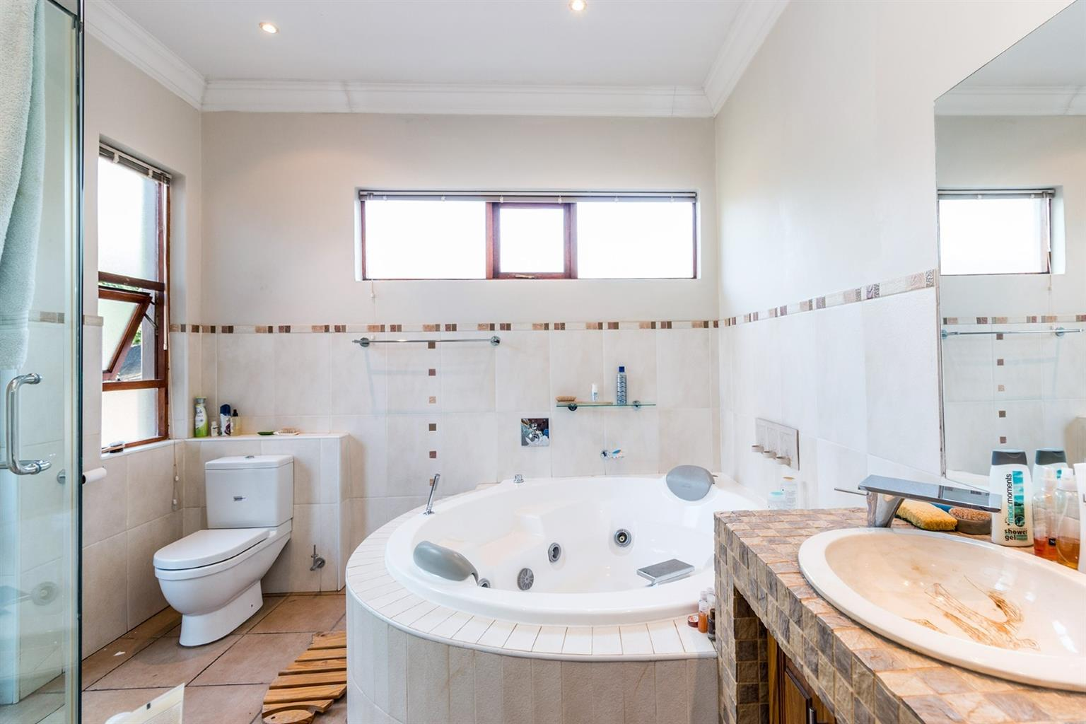 Beautiful, large, 5 bedroom, 5 bathroom, 4 garages, pool, domestic quarters, 3 living areas, entertainers dream. Excellent location near N1, schools, UP, Menlyn