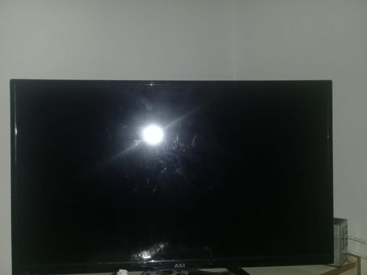 32 inch Aim TV for sale