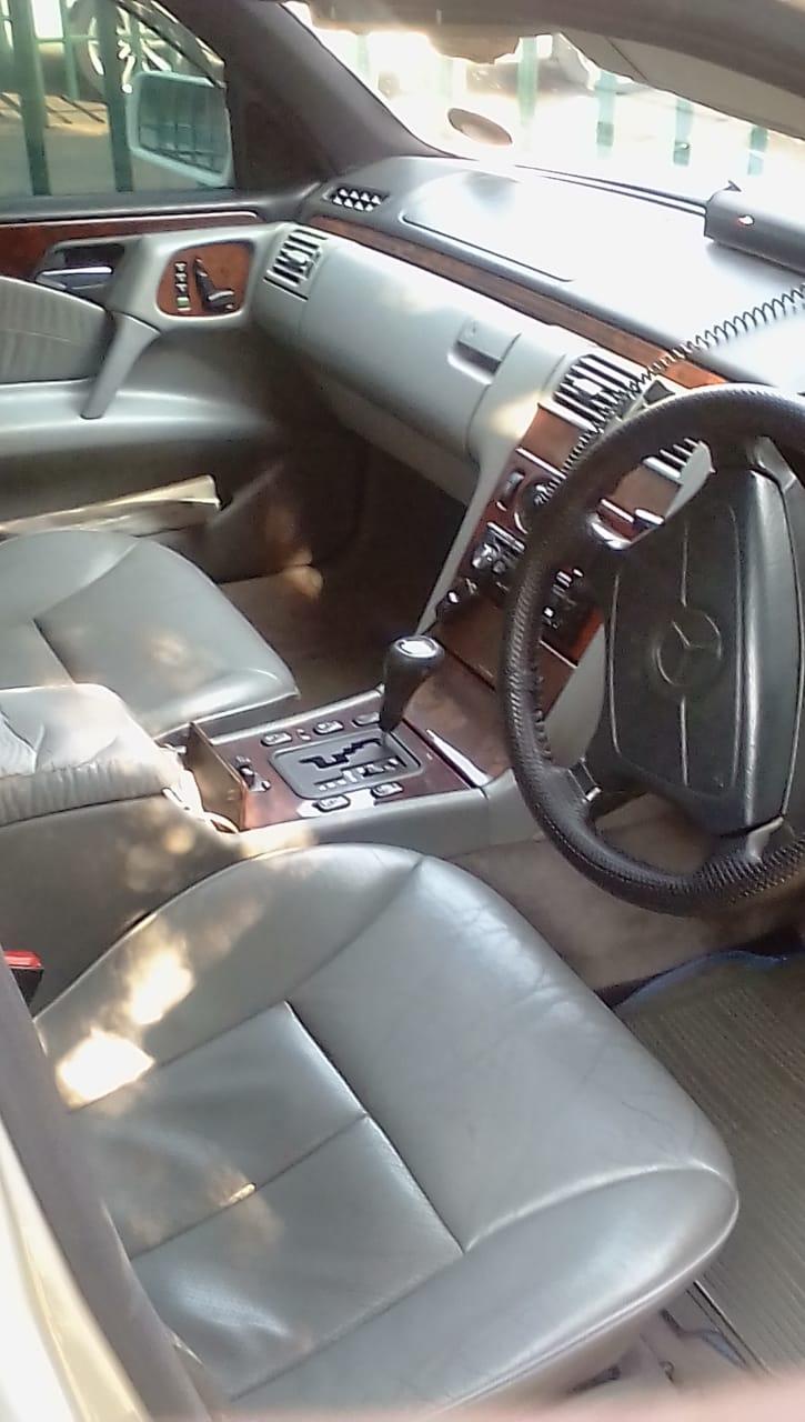 2009 Mercedes Benz E Class E200 Elegance