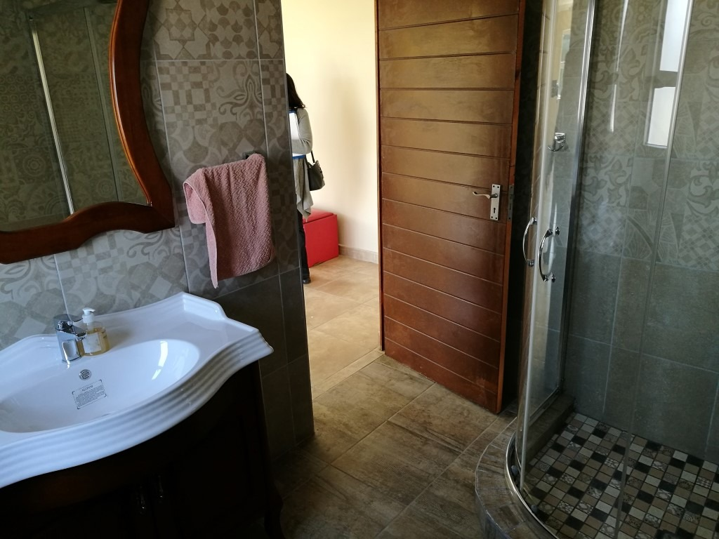House For Sale in Lombardy East