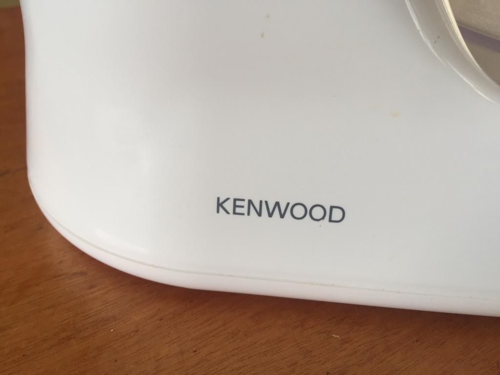 Kenwood FP101T Food processor with attachments - priced to clear