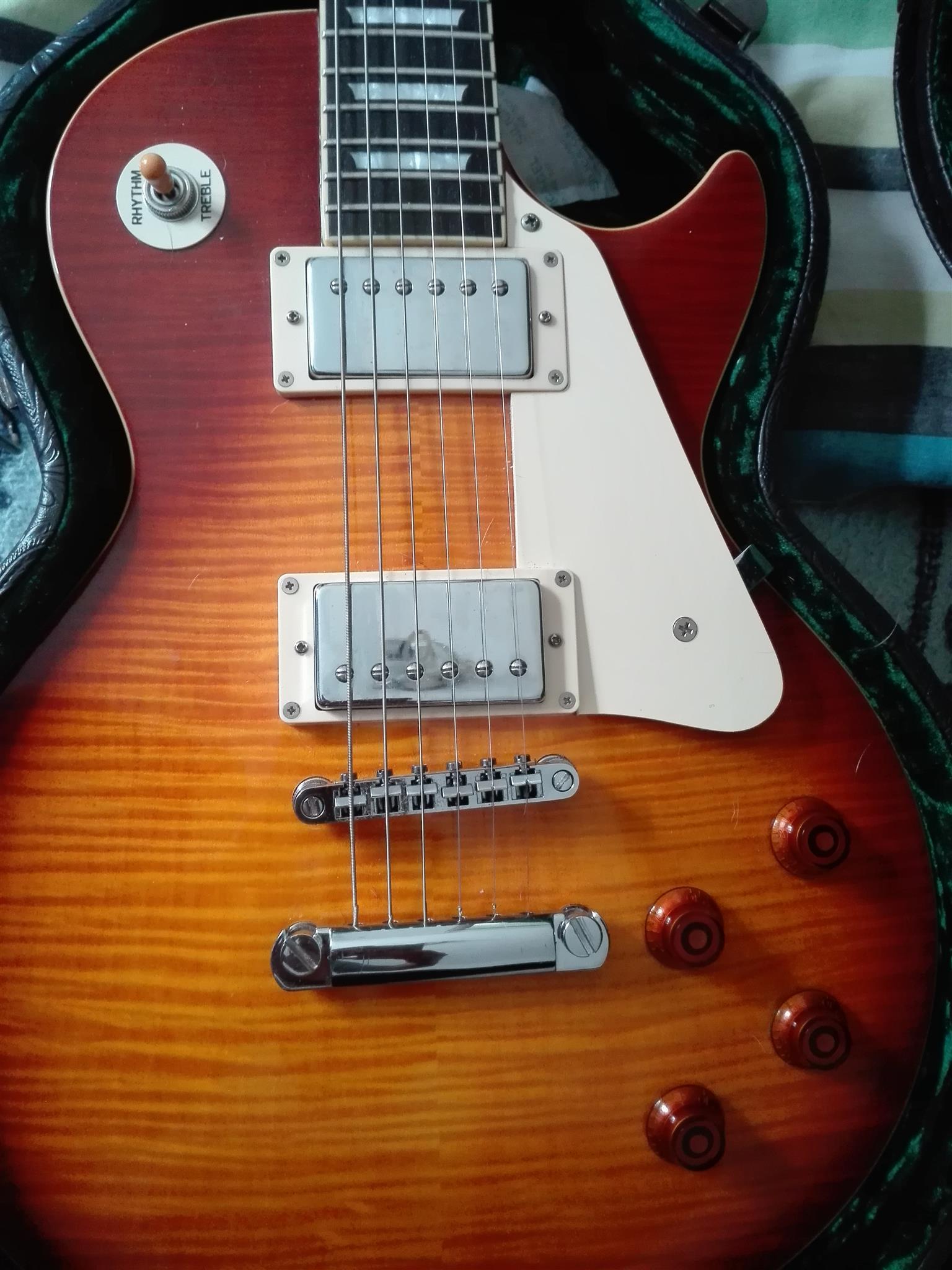 tokai guitar for sale junk mail. Black Bedroom Furniture Sets. Home Design Ideas