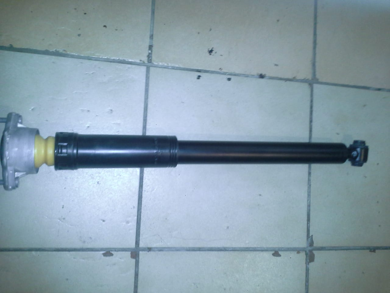 Mercedes Benz W204  shocks  Available for sale