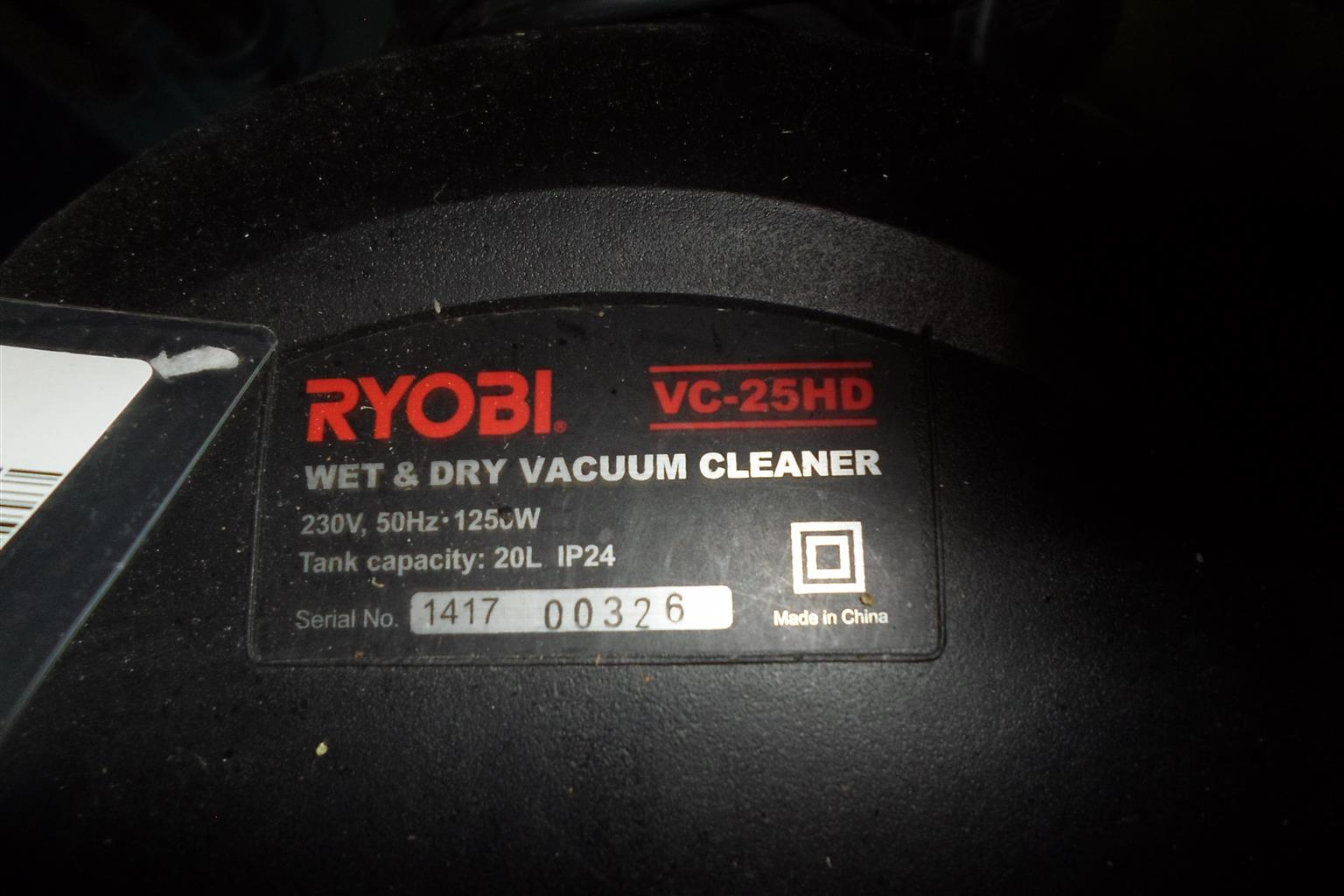 1250W Ryobi VC-25HD Wet & Dry Vacuum Cleaner