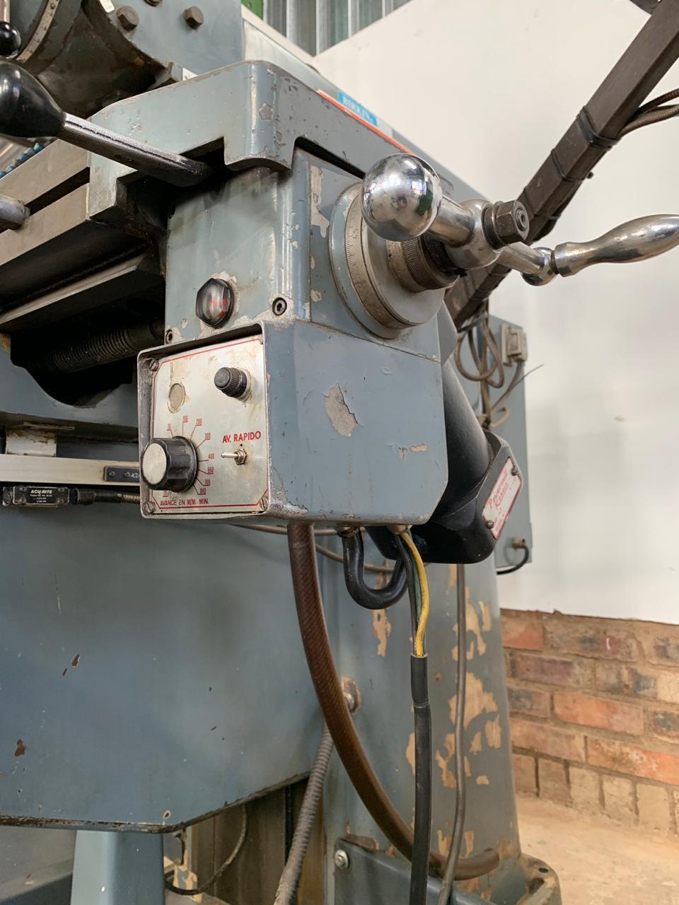 Turret Milling Machine, KONDIA - Powermill