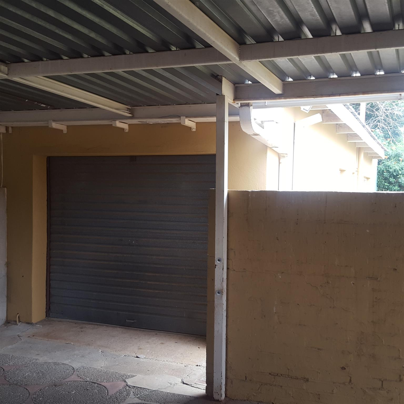 Family house for sale in good area in Flamingo park Welkom.