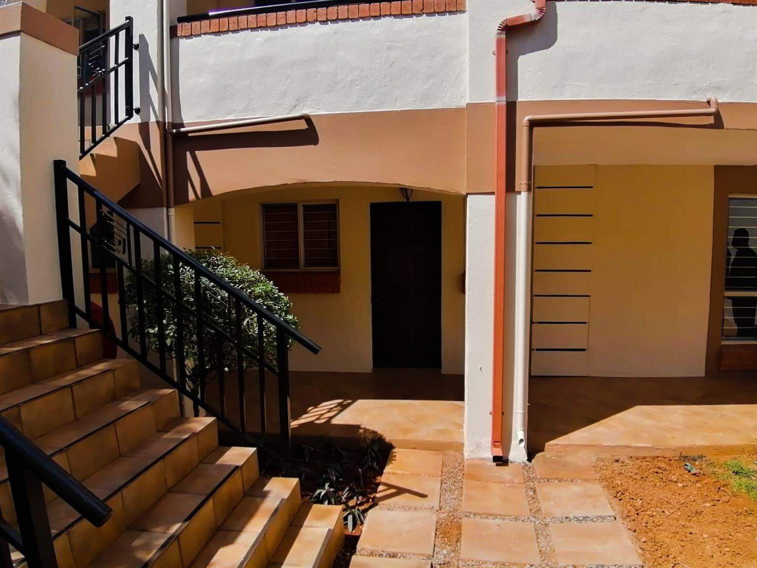 Townhouse For Sale in Olympus AH