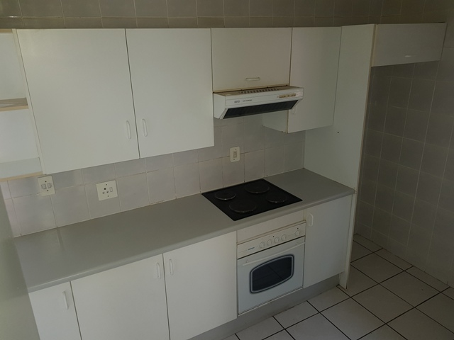 Large one bedroom Flat to rent in Birchleigh Kempton Park