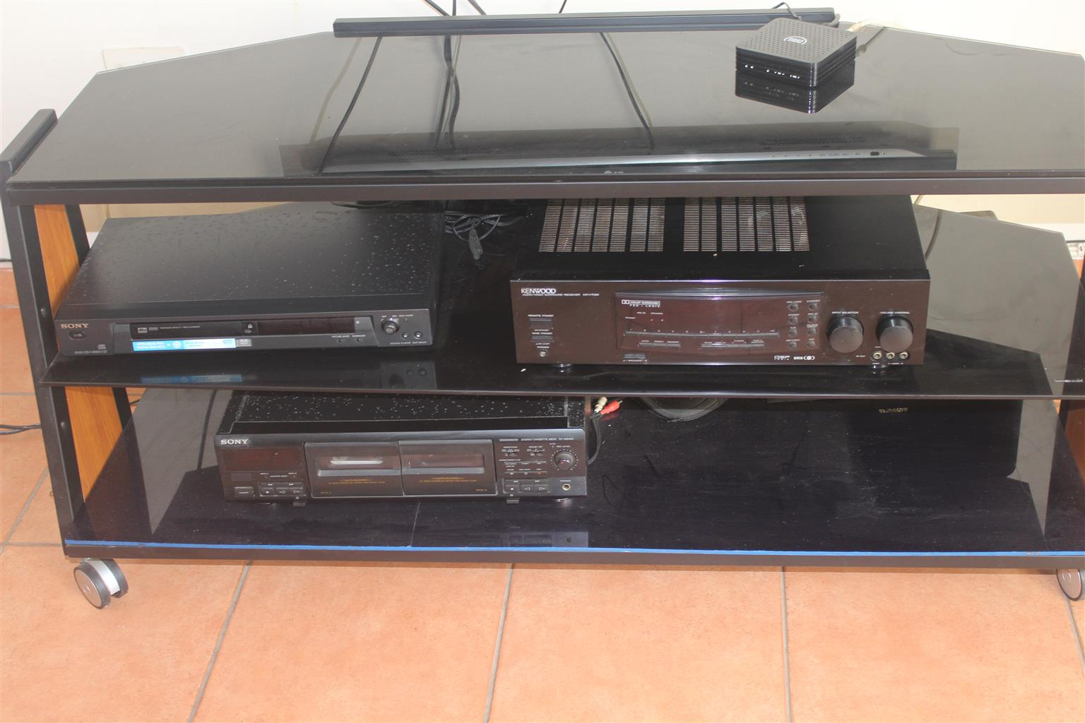 Kenwood KRF-V7090D-S - Amplifier and AV receiver - 7.1 channel Specs with Surroundd Sound