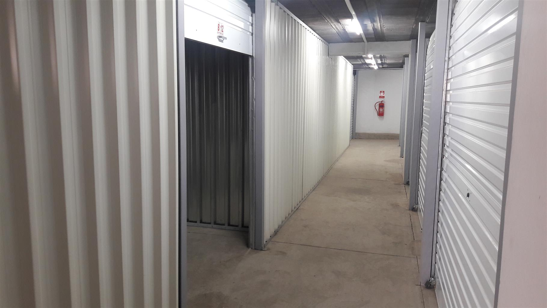 Bakkie for hire and Self Storage to let