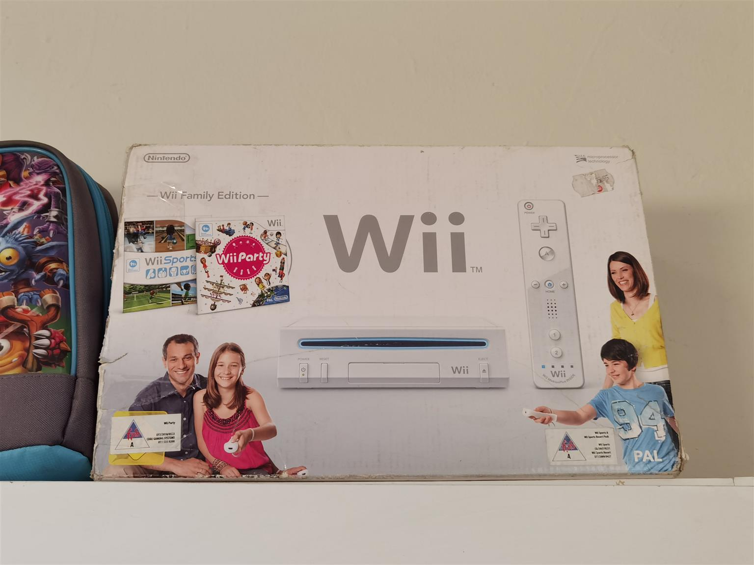Nintendo wii complete console with all cables 1 remote and 1 game included