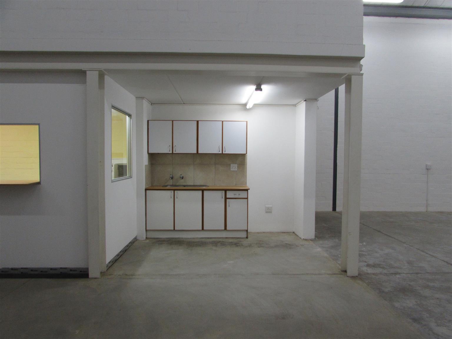 MILNERTON: 248m2 Warehouse To Let