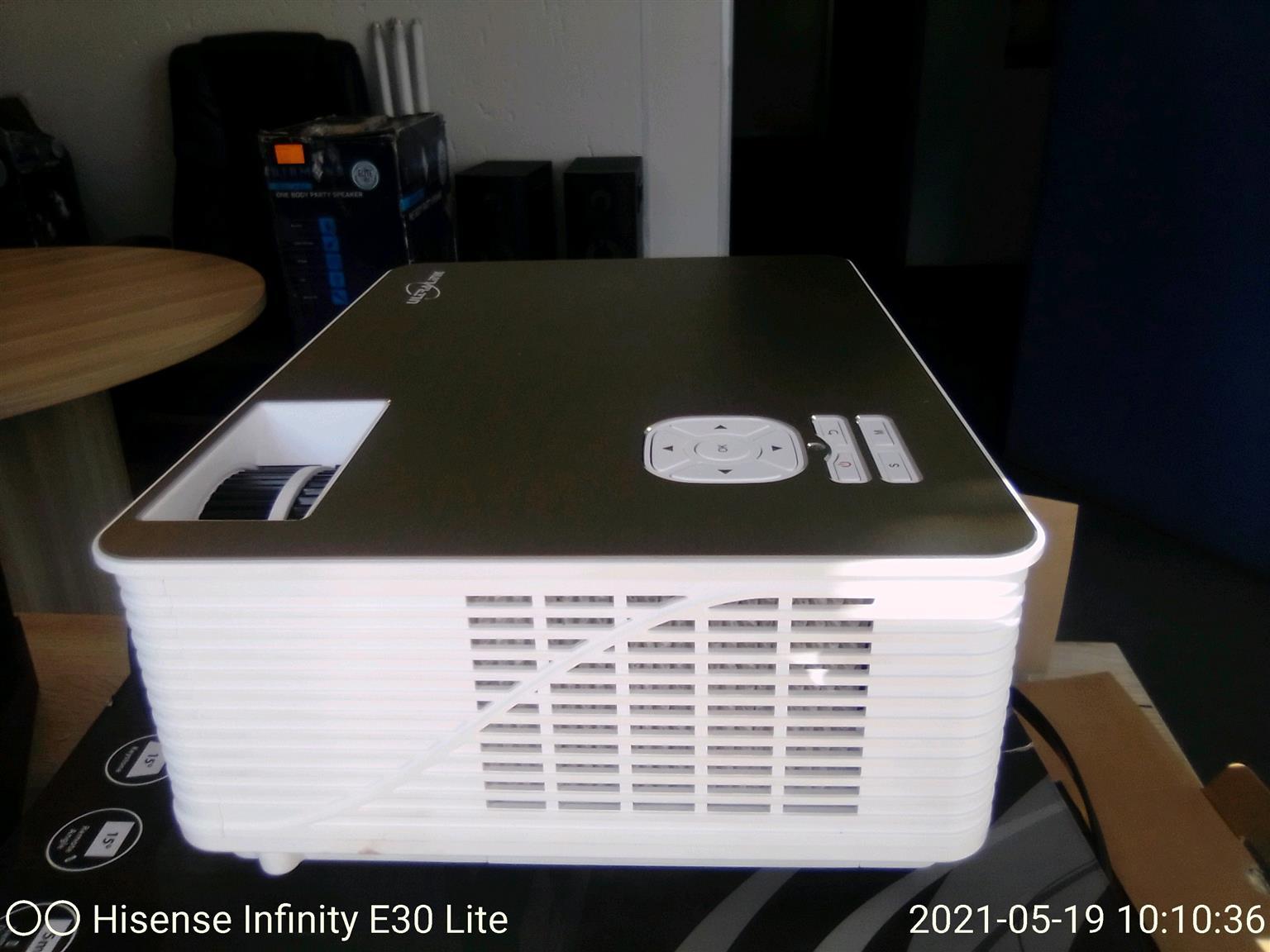 ultralink projector