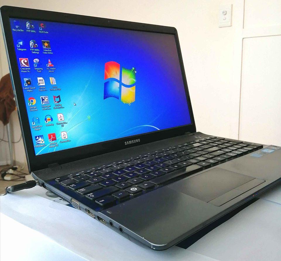 Laptop Samsin i3 with Windows 7