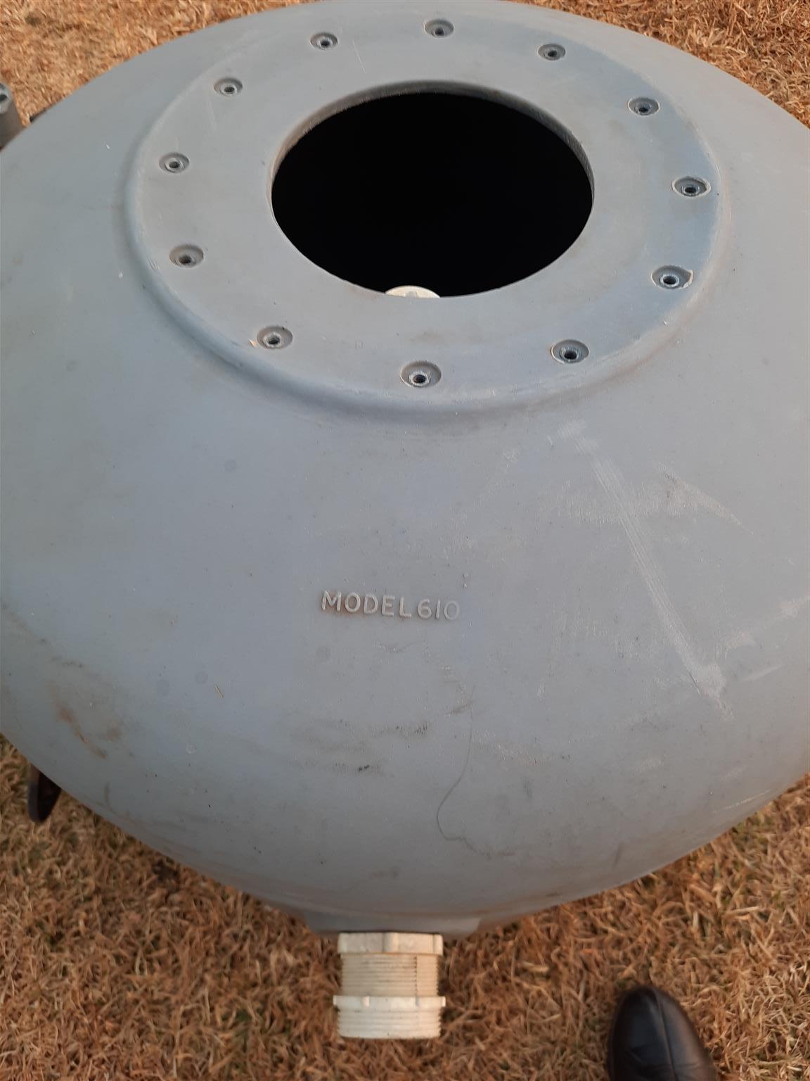 Swimming pool pump and drum. Motor 1.1 k W. Drum model 610