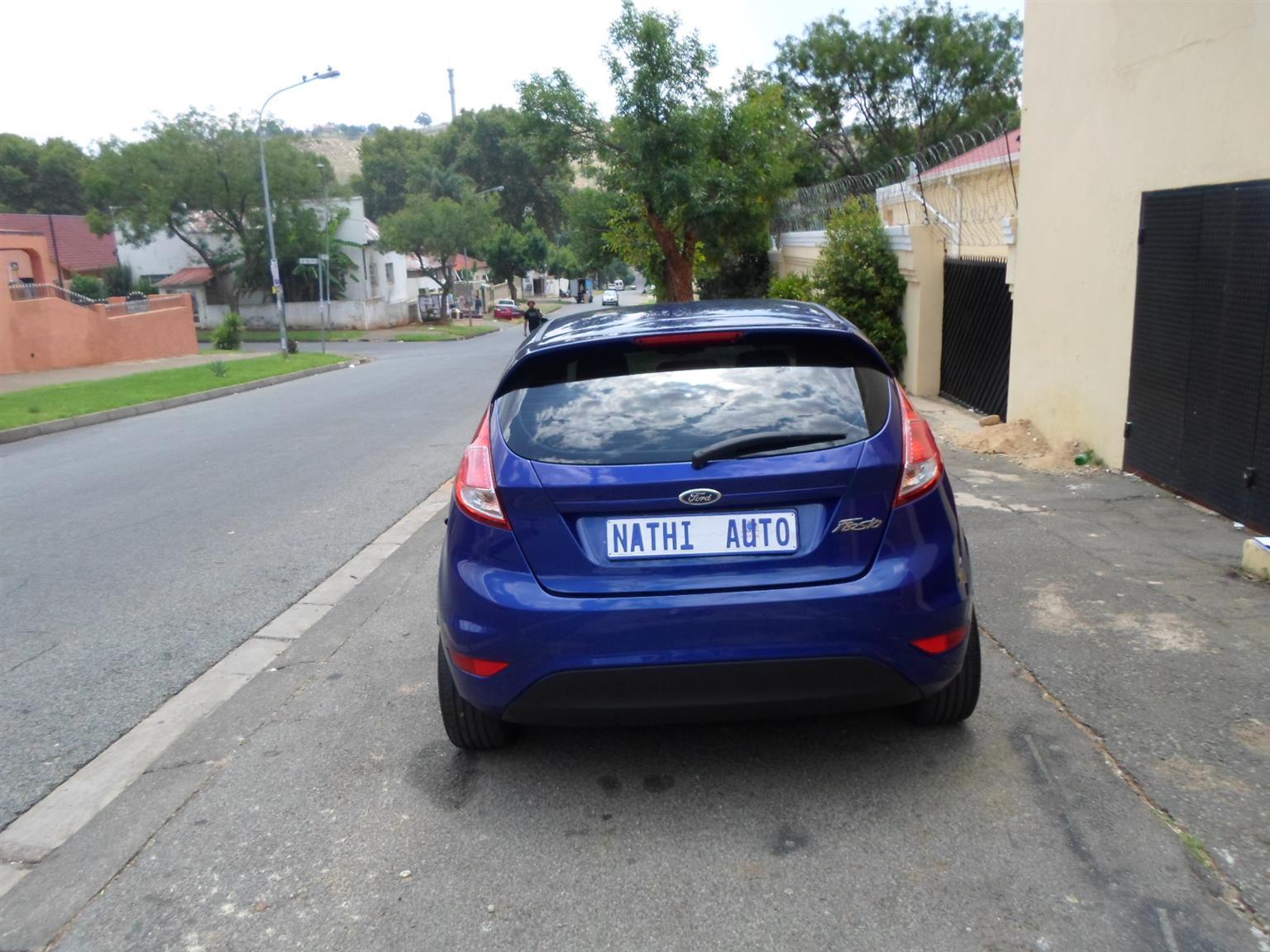 2010 Ford Fiesta sedan 1.6 Ambiente