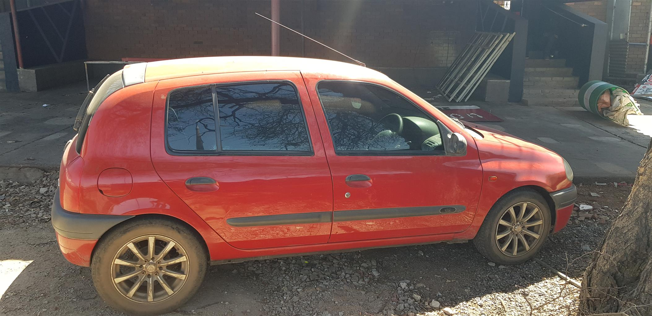2003 Renault Clio 1.4 Expression 5 door