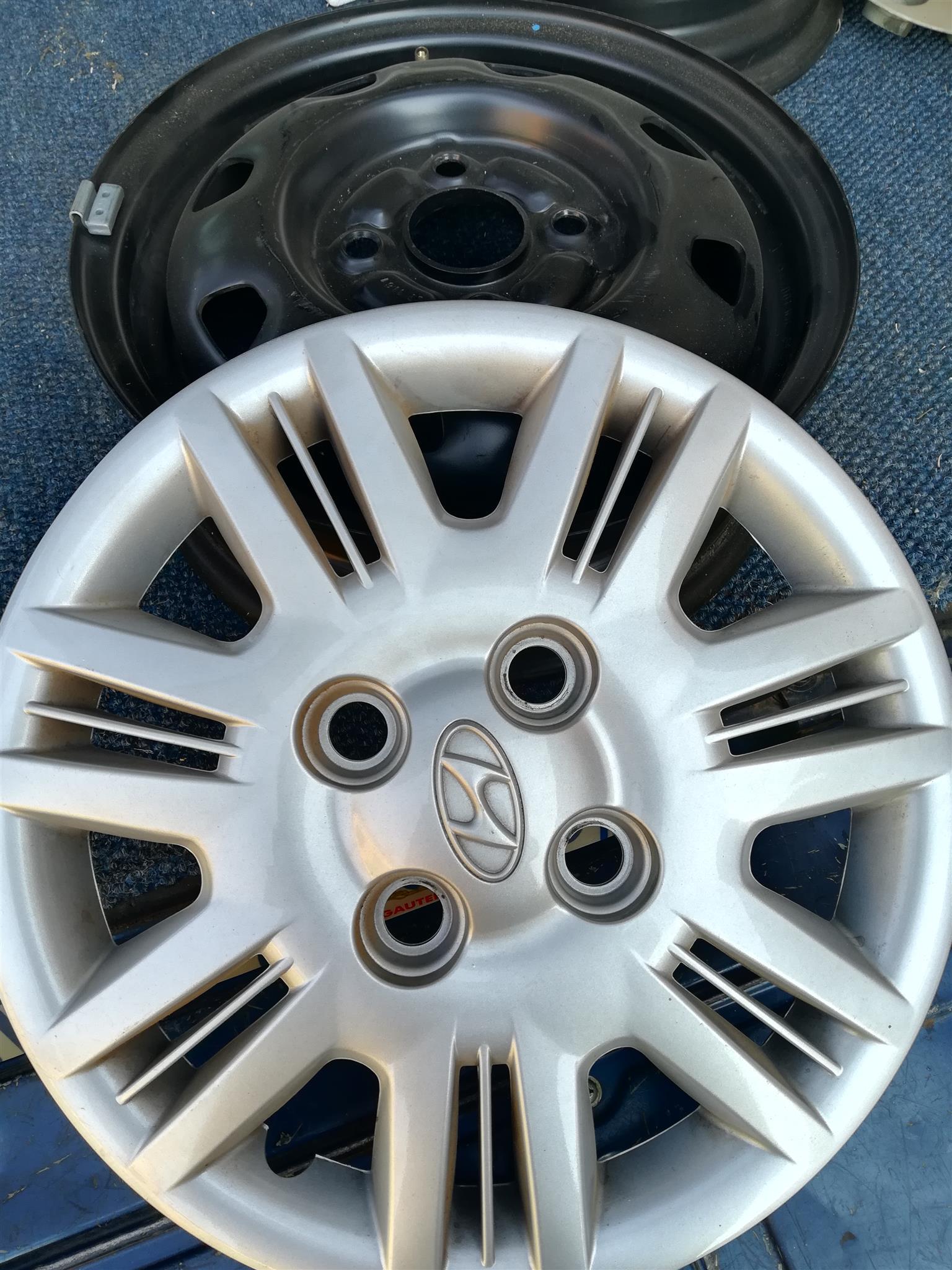 Atos Prime standard rims and wheelcaps