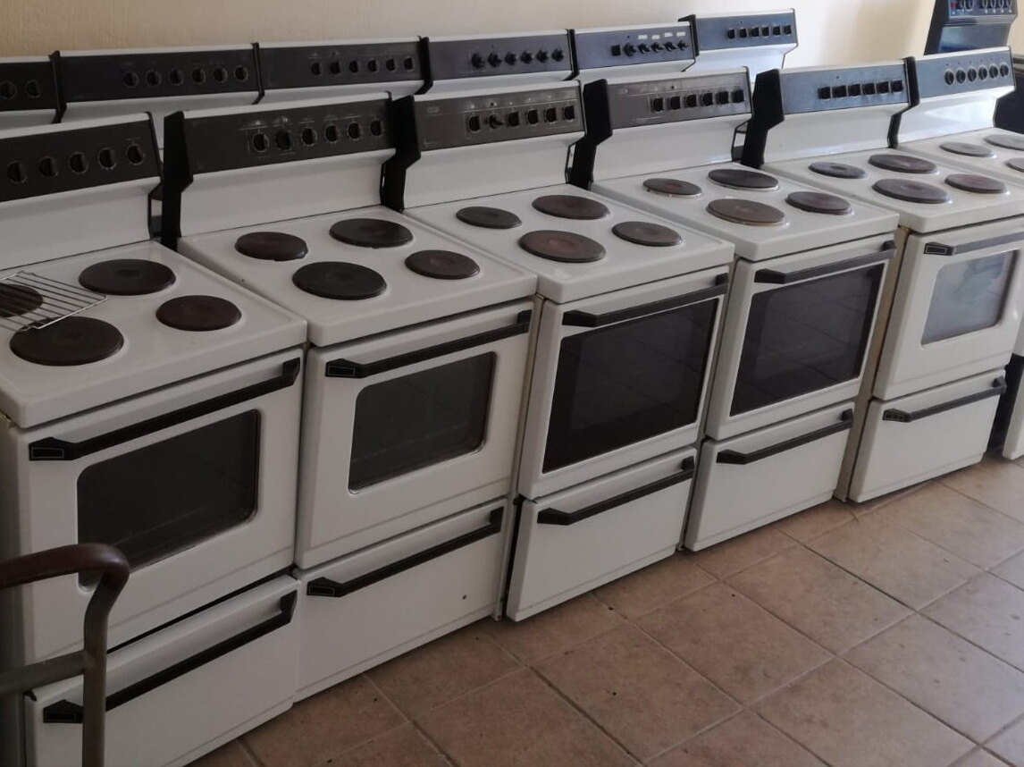 2ND HAND WORKING DEFY FREESTANDING STOVES