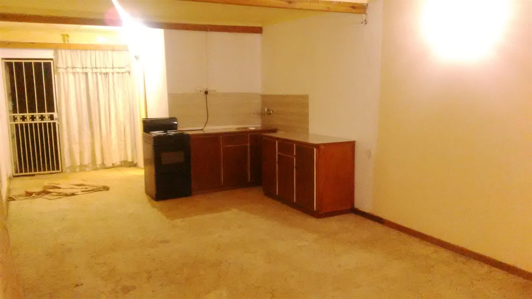 Rooms for rental at Kwaggasrand Pta west