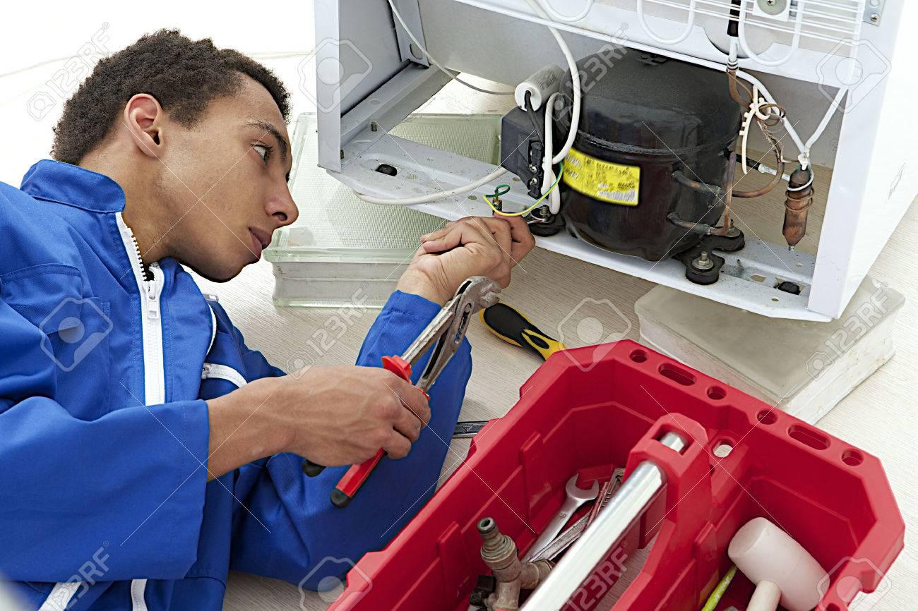 Call 0790724683 onsite fridge repairs kraaifontein 24/7
