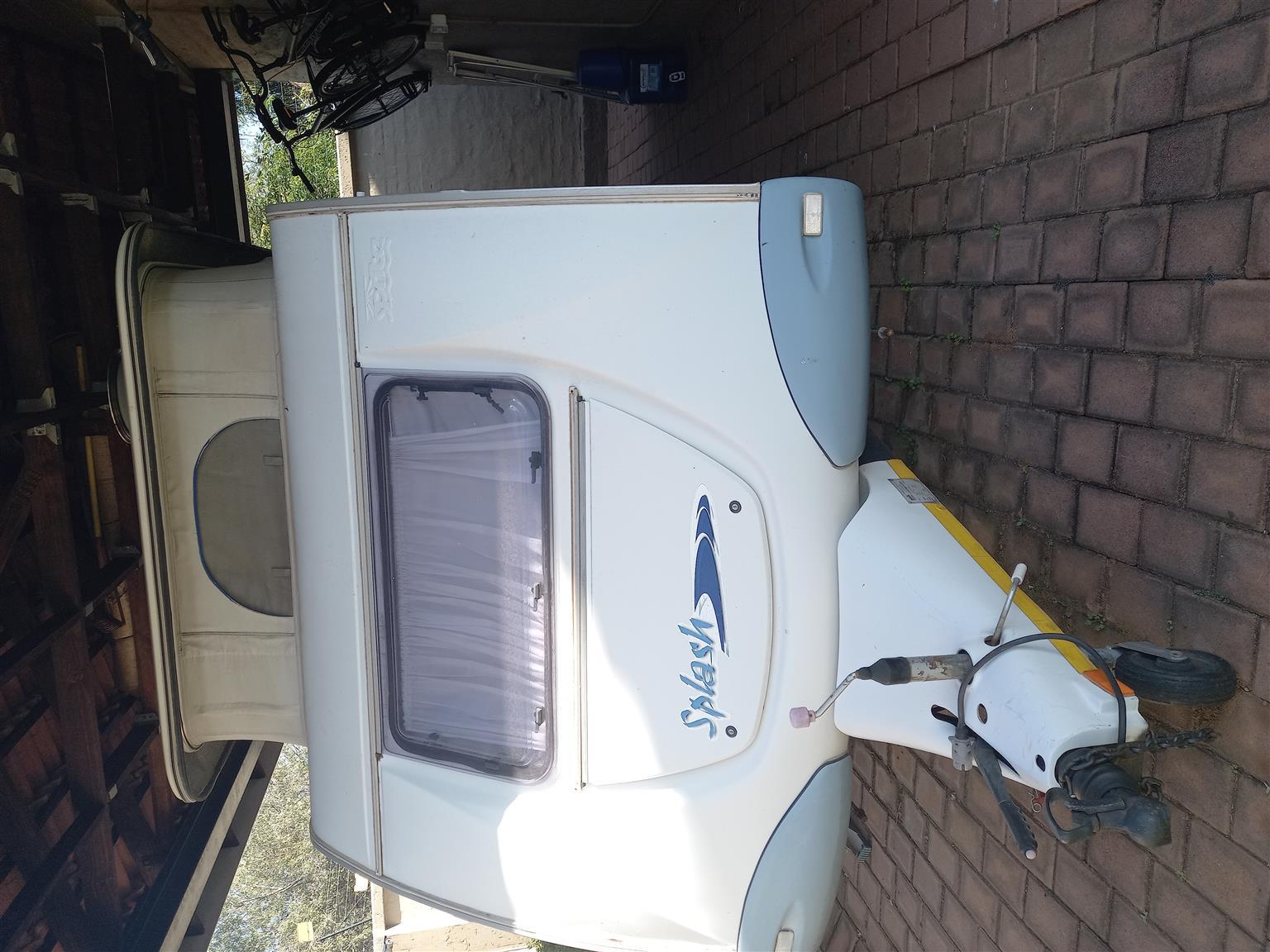 2007 sprite splash with double size moduler tent, patio and 2 multirooms.