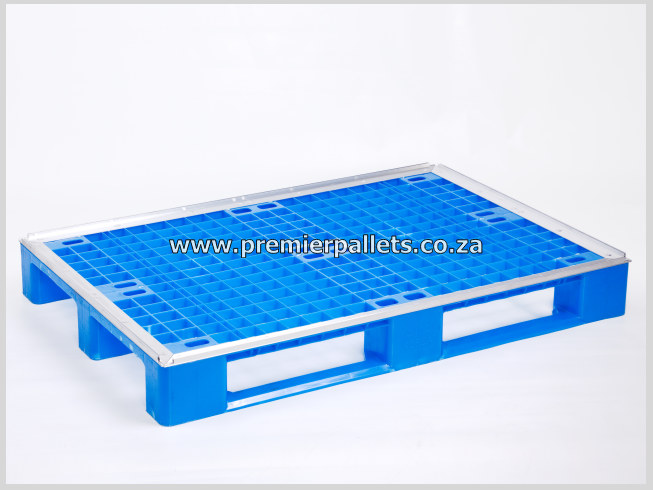 Damaged and strong: Plastic Pallets Euro size pallets – 1200×800