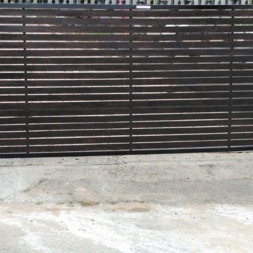 bargain brand new Balu wood finish Gates