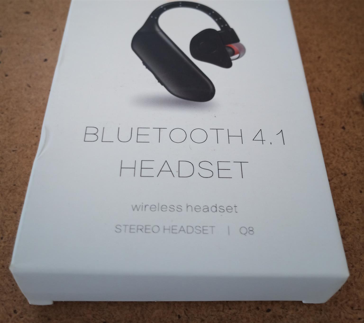 Q8 Wireless Bluetooth Earphone Portable Headset