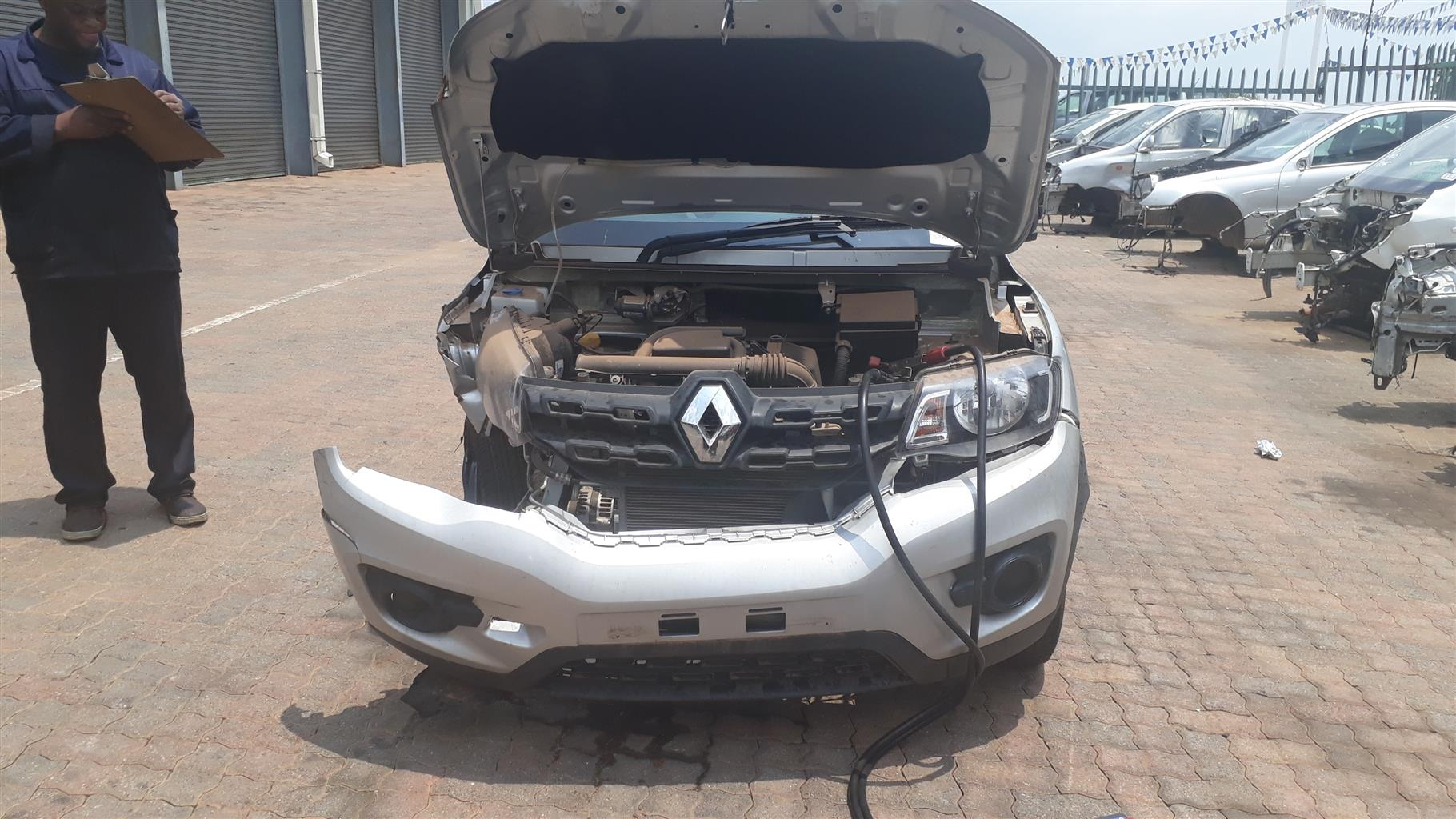 Stripping Renault Kwid For Parts